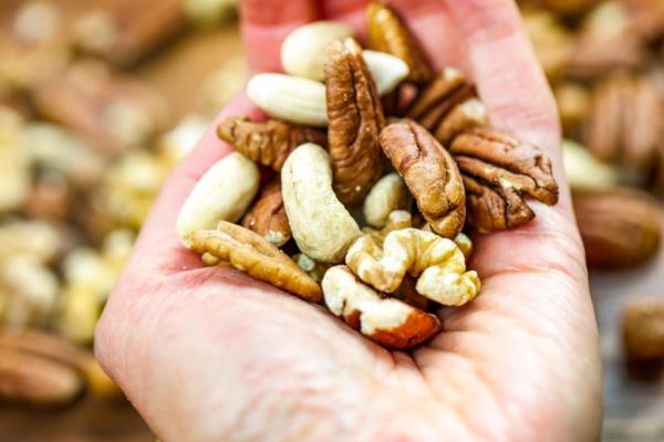 Top 9 nueces que debes comer para una mejor salud