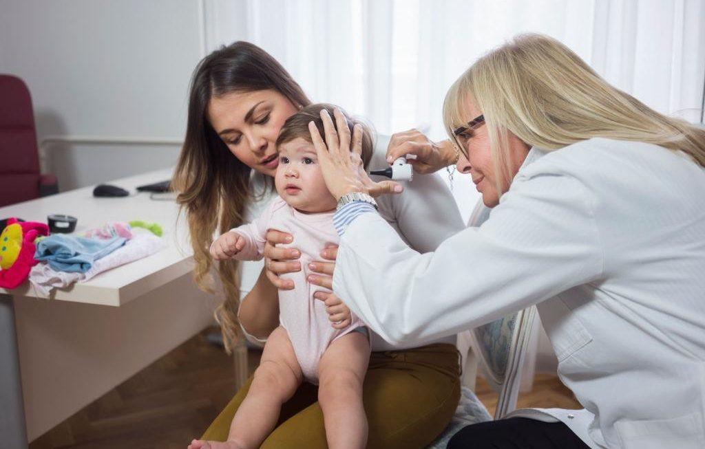 Aprende a combatir y prevenir la otitis media en los bebés