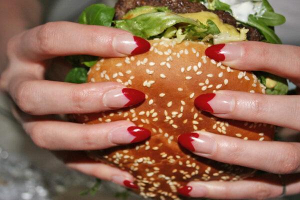 Vergüenza por los alimentos durante el embarazo es más estresante que el aumento de peso
